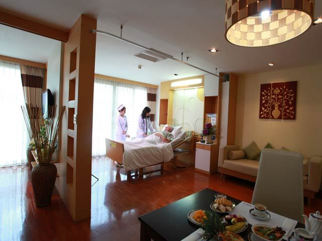 Luxury room at the hospital for knee replacement in Thailand